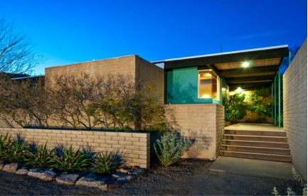 Mid century modern homes for sale in arizona for Modern home builders phoenix