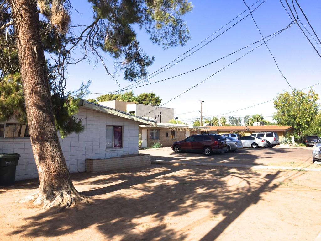Vestis Group completed the sale of two adjacent apartment complexes, totaling 10 multifamily units, located at 2031 E Glenrosa and 4242 N 21st Street, in the Biltmore-area of Phoenix for $560,000 or $56,000 per unit.